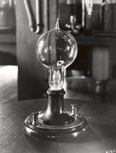 Лампа накаливания Эдисона