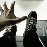 возможно ли выжить в падающем лифте